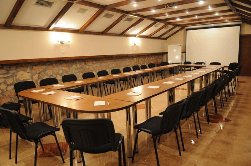 Конференц стол, княжение ради переговоров