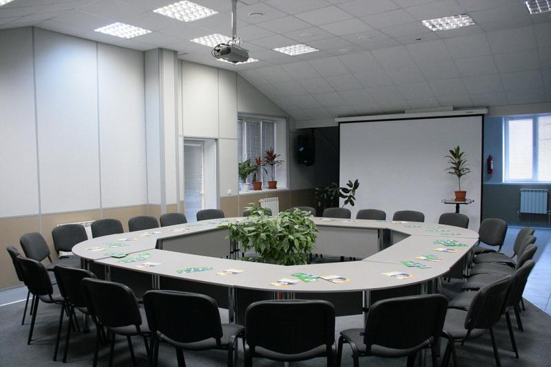 Конференц стол, столик чтобы переговоров