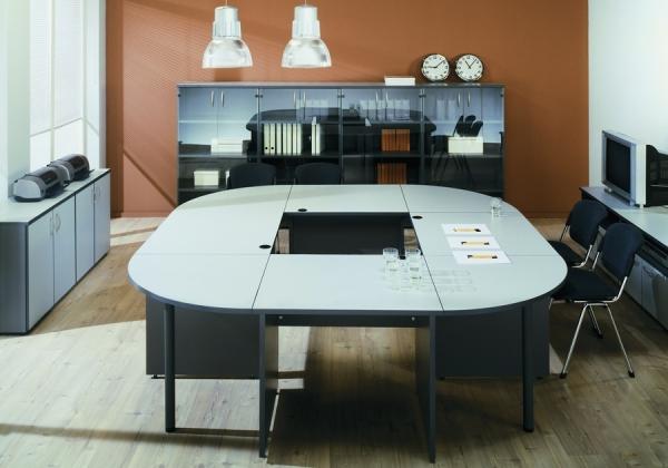 Конференц стол, кассореал про переговоров