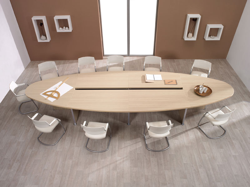 Конференц стол, табльдот в целях переговоров