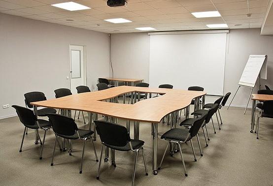 Конференц стол, питание про переговоров
